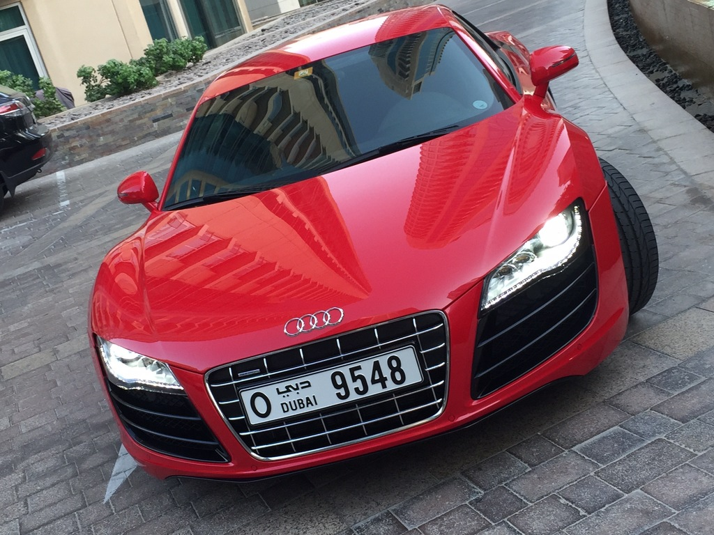 audi r8 v10 vendre voiture exclusive d 39 occasion autogespot. Black Bedroom Furniture Sets. Home Design Ideas