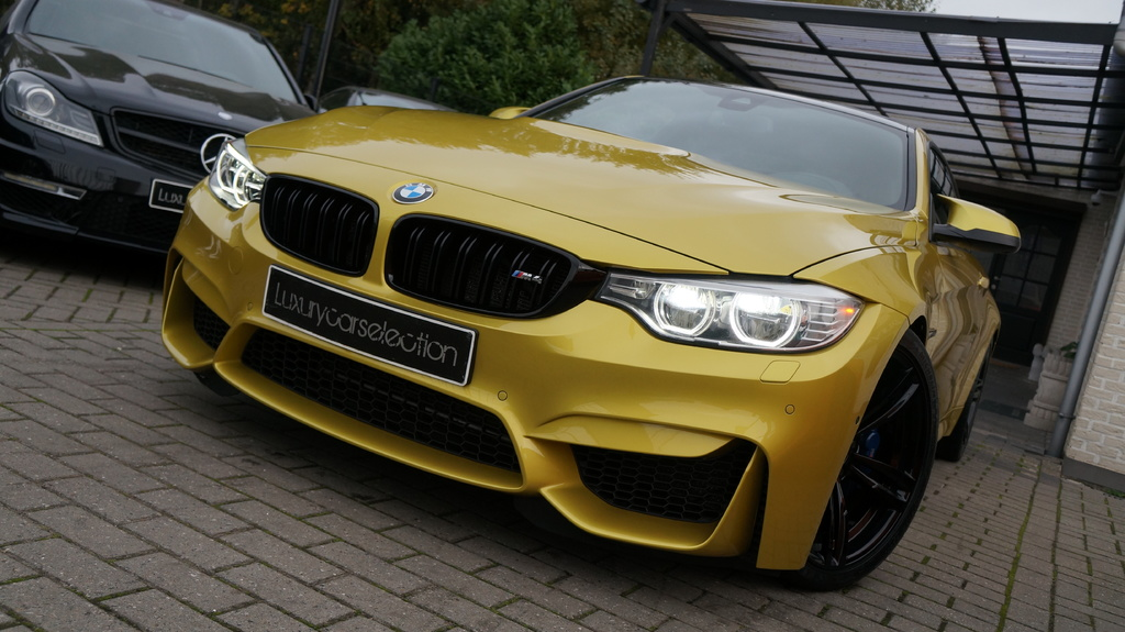 bmw m4 f82 coup for sale exotic occasion autogespot. Black Bedroom Furniture Sets. Home Design Ideas