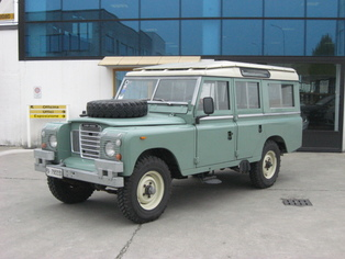 Land Rover Defender 109 SW