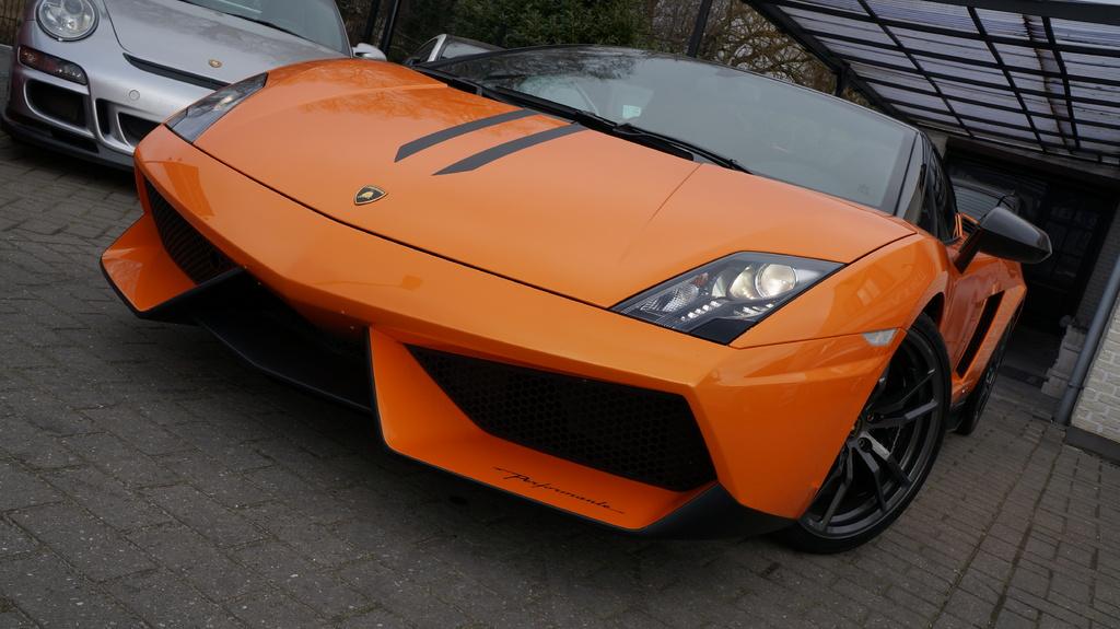 Lamborghini Gallardo LP570-4 Spyder Performante For Sale